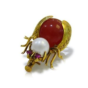 14 Karat Vintage Beetle Brooch